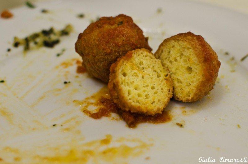 """Pallotte cacio e ovo"": fried rissoles of cheese and egg"