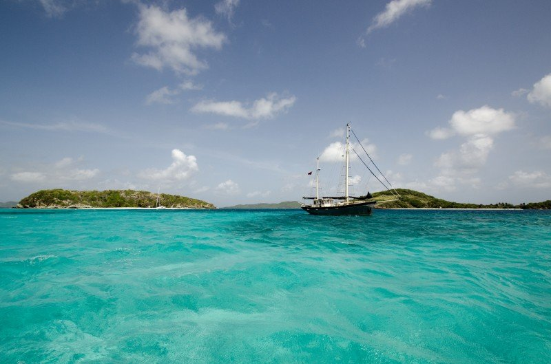 Tobago Cays, an archipelagos of unhabited islands surrounded by a coral reef. Dreamlike!