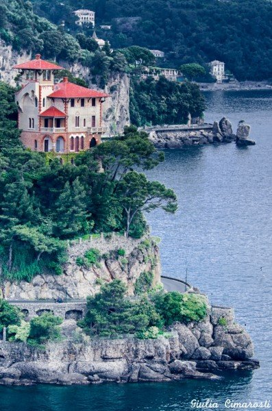 A beautiful villa on the way to Portofino