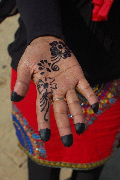 A Nubian woman's hand - © Giulia Cimarosti