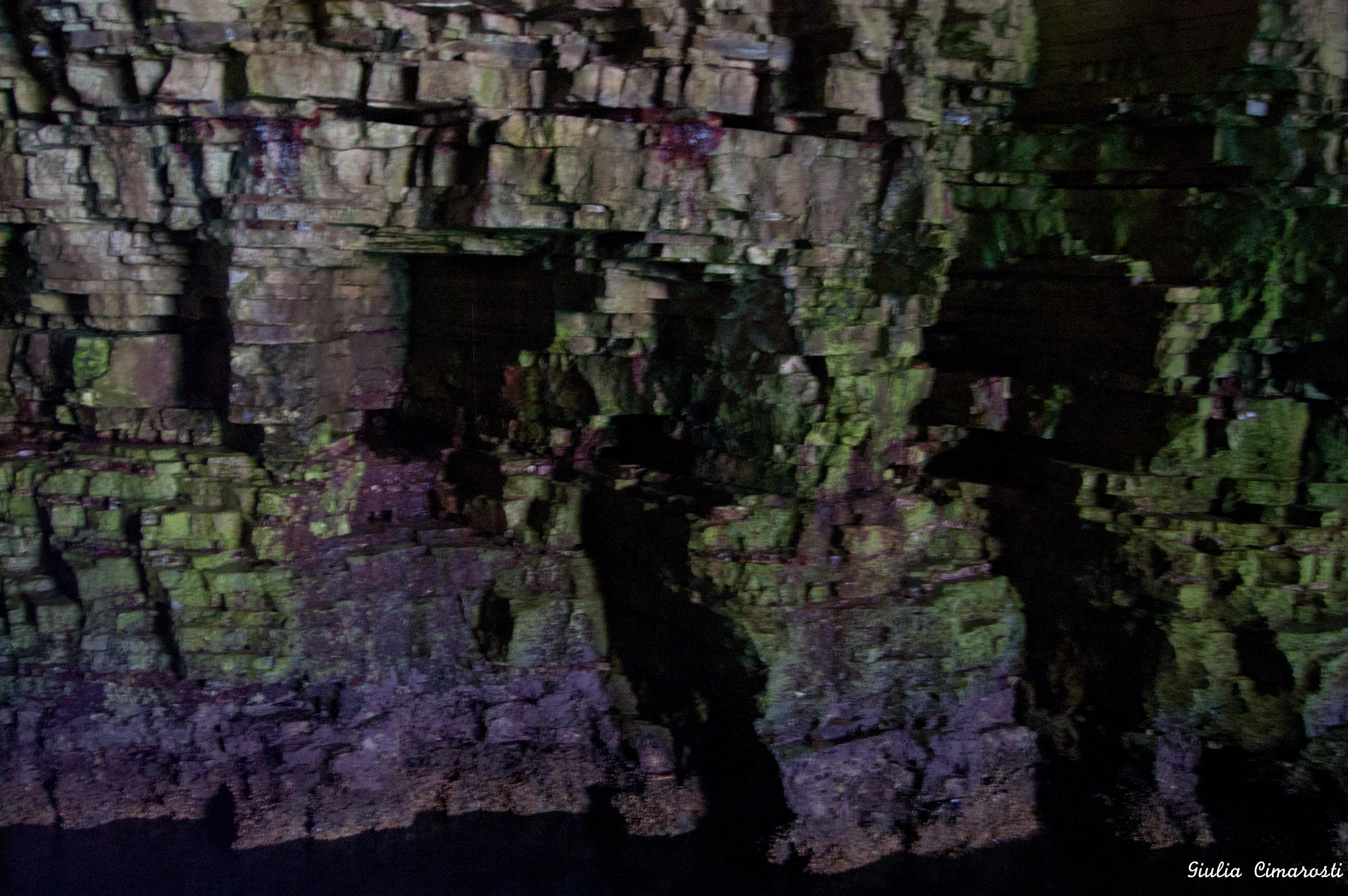 Painter's palette cave, Apulia, Italy