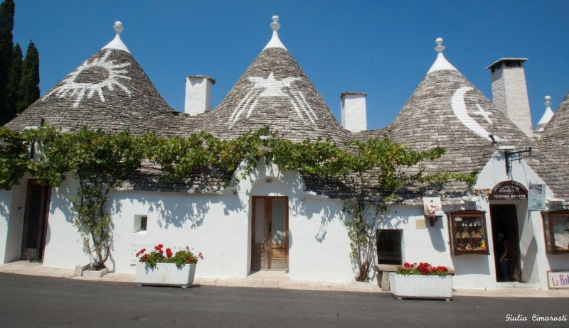 Symbols on Alberobello Trulli roofs