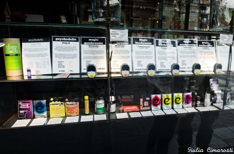 """Different kinds of """"Magic Mushrooms"""" in a Smartshop"""