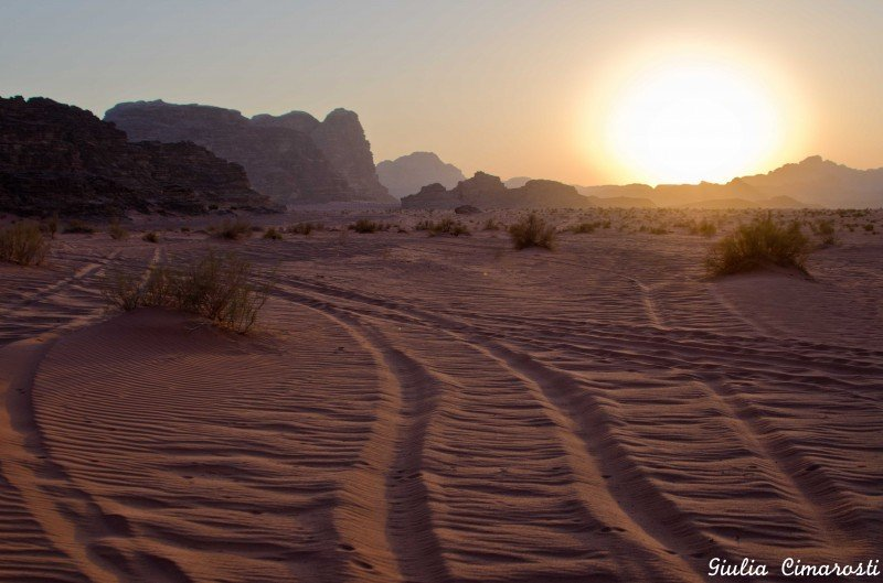 A memorable sunset in the Wadi Rum, the red desert of Jordan