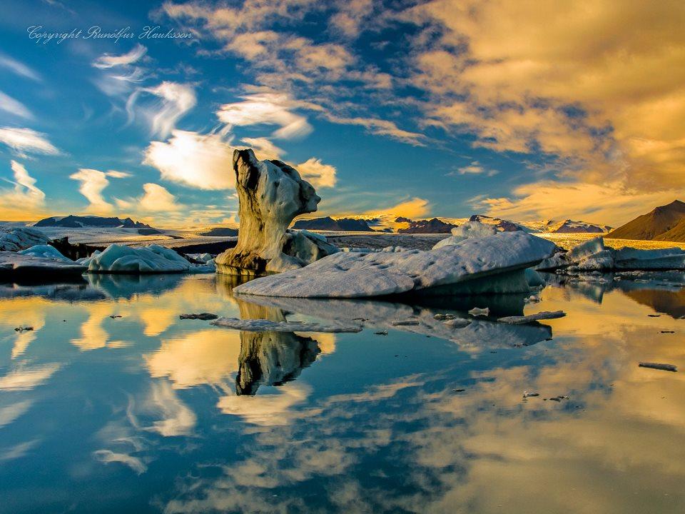 Icebergs: amazing photography by Runólfur Hauksson