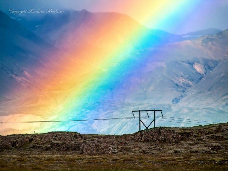 Rainbow: amazing photography by Runólfur Hauksson