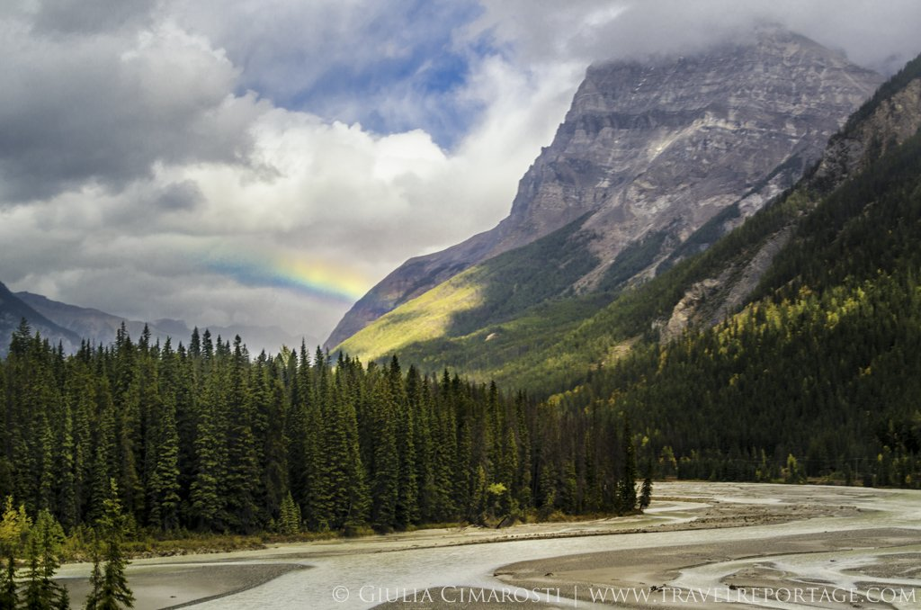 The Canadian Rockies by bus: epic landscapes, rainbows and unicorns
