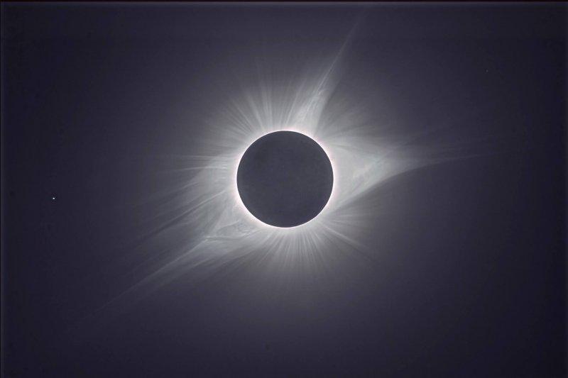 Eclissi di Sole Totale - Foto © Daniele Gasparri Astrofisico